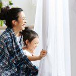 カーテンのカビ取り方法を解説。話題のオキシクリーン漬けの効果は?